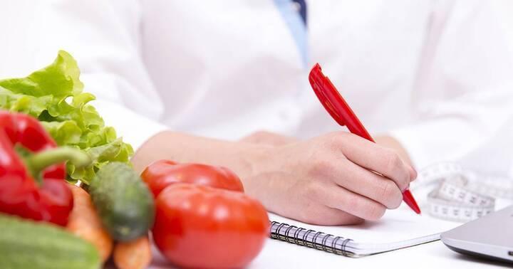 كيف تواجهين مضاعفات علاجات سرطان الثدي غذائياً؟