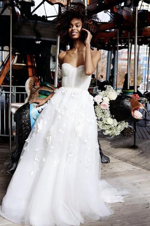 فساتين زفاف مع أحزمة موضة 2020