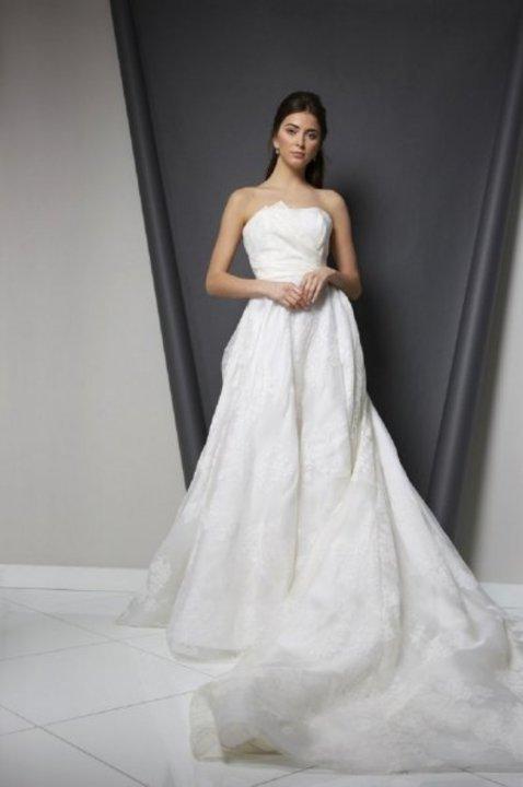 اسبوع الموضة العرائسي من Randi Rahm