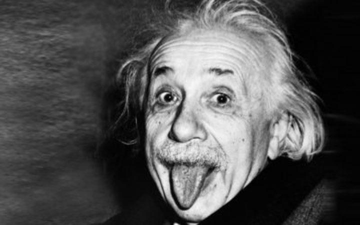 سبب وحيد جعل من ألبرت آينشتاين إنساناً عبقرياً، تعرف عليه