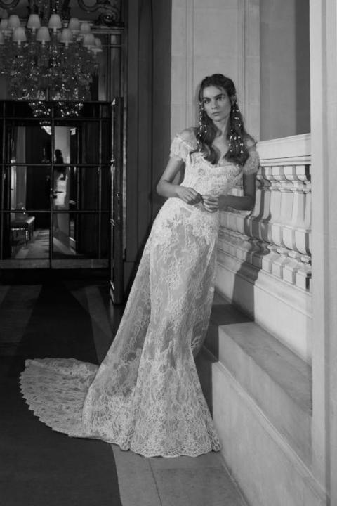 03e49cf3f تشكيلة فساتين زفاف رومانسية لعروس 2018 (صور)