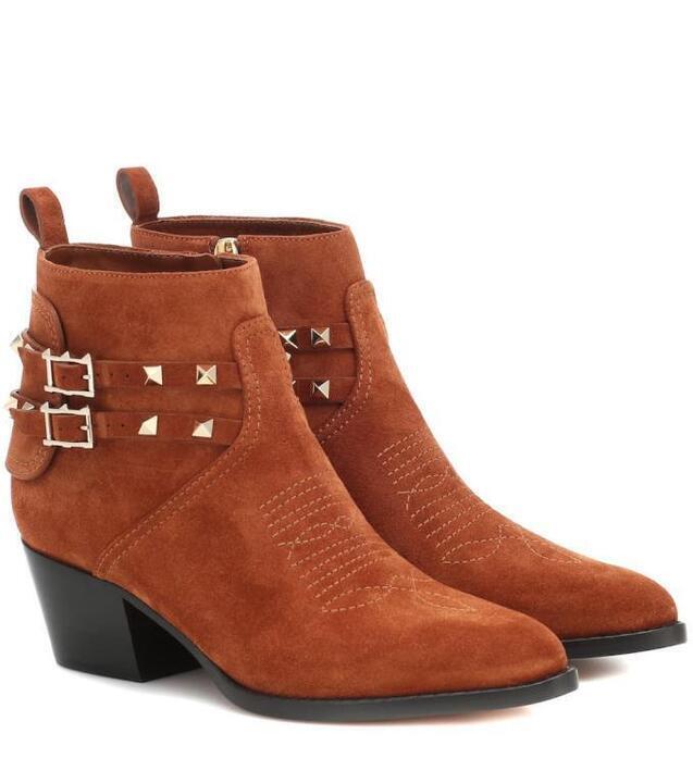 إليكِ أجمل الأحذية لشتاء 2020