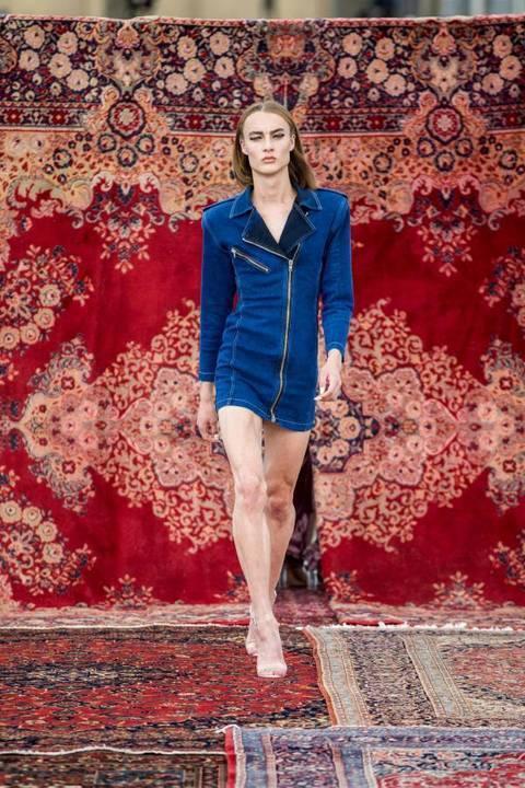 ديكور شرقي مميّز يسود عرض أزياء MUF10