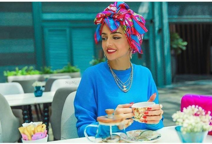 الحجاب الملون آخر موضة هذا الصيف من الفاشينيستا غادة عثمان
