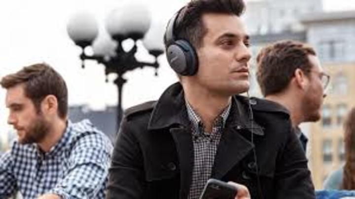 """تعرف على ميزة """"منع الضجيج"""" بسماعات الرأس والهواتف الذكية"""