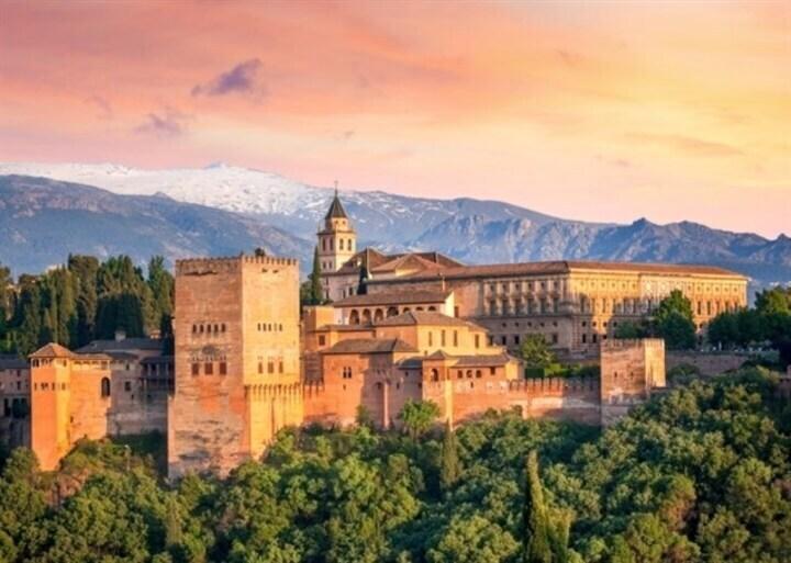 قصر الحمراء التاريخي... تحفة العصر الأندلسي!
