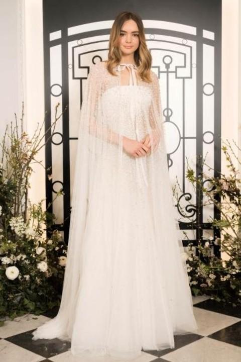 موديلات فساتين زفاف بصيحة الكاب 2020