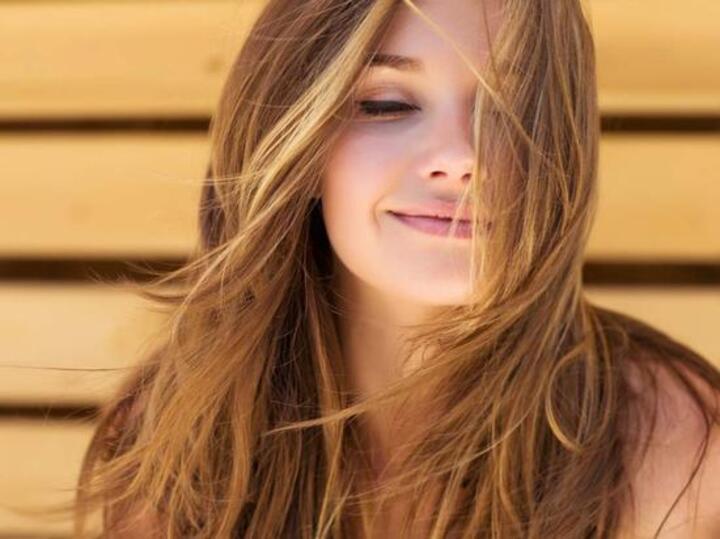 حمض الفوليك للشعر: فوائده وكيفية استخدامه