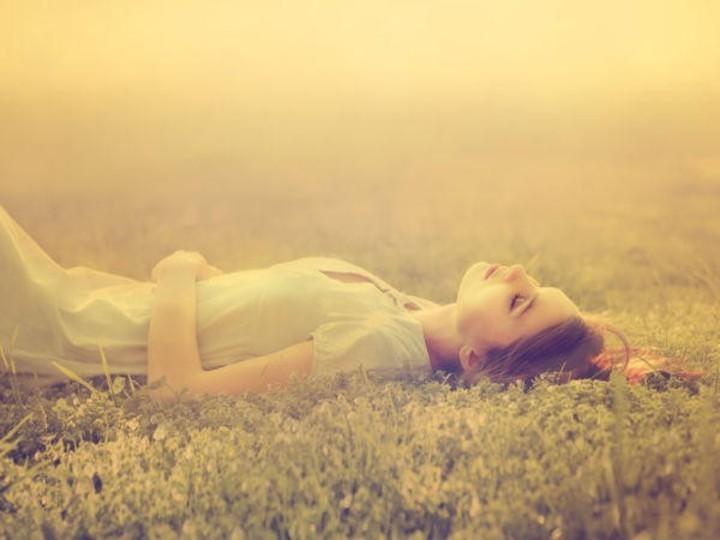 فوائد لا تتوقعينها للنوم بجوارب مبللة