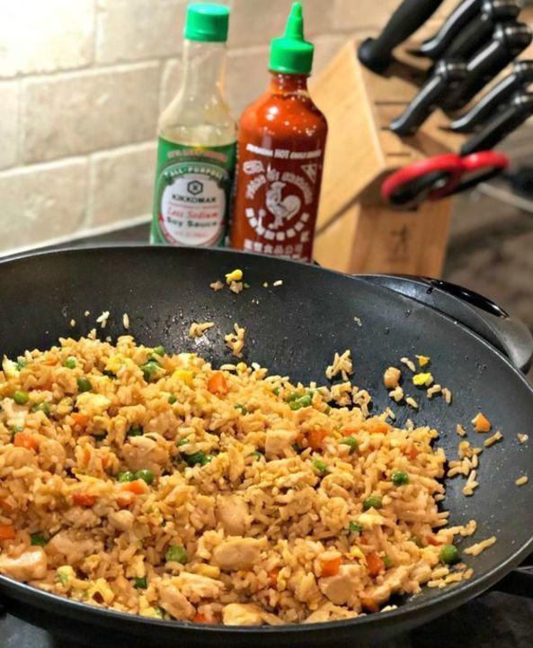 لمائدة شهية جربي الأرز المقلي