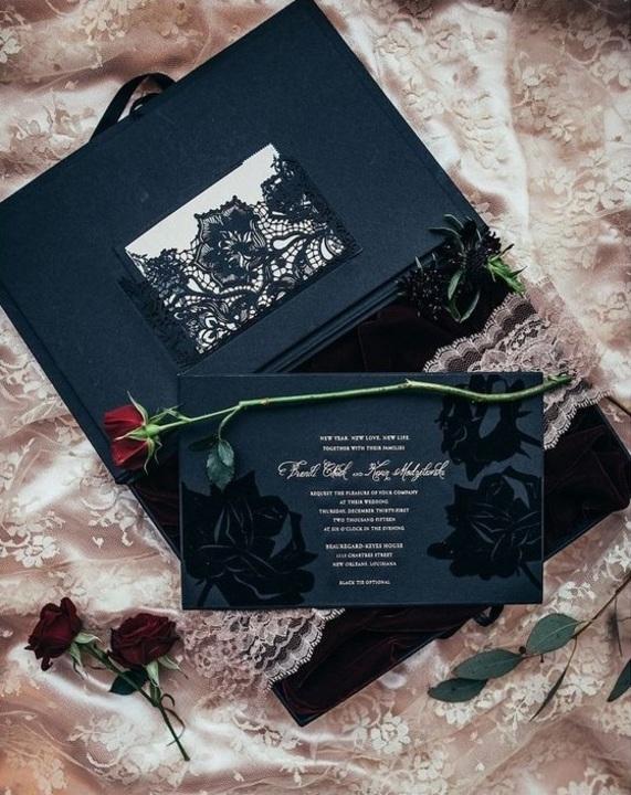 اللون الأسود يطيح بالأبيض ويسيطر على حفلات الزفاف