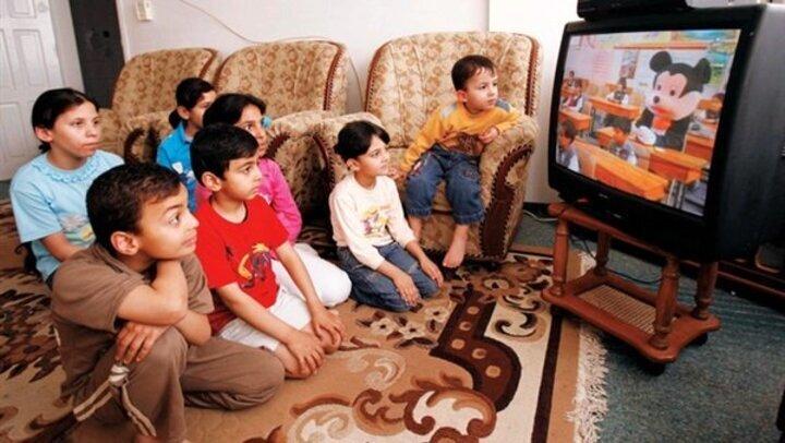أبرزها السمنة والتأثير على الصحة العقلية.. أضرار مشاهدة التليفزيون على الأطفال