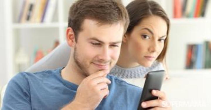 كيف تتحكمين في غيرتك من زميلات زوجك في العمل؟   سوبر ماما