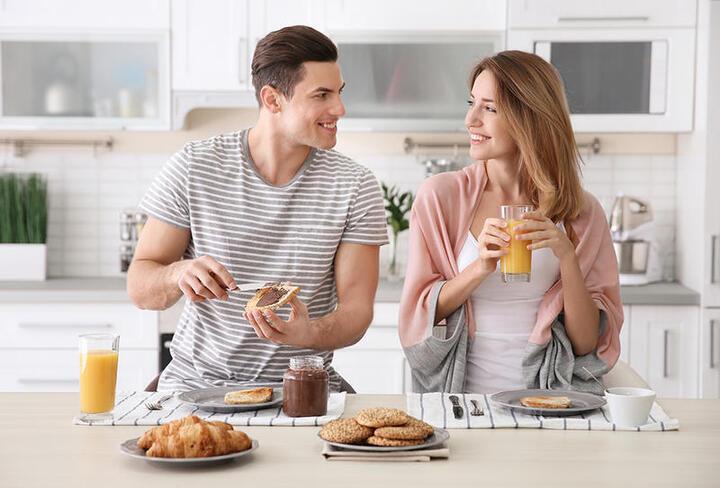 كلمات رومانسية صباحية بين الأزواج