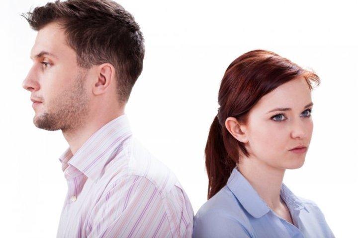 كيف تتصرف الخطيبة عند حدوث شجار مع خطيبها