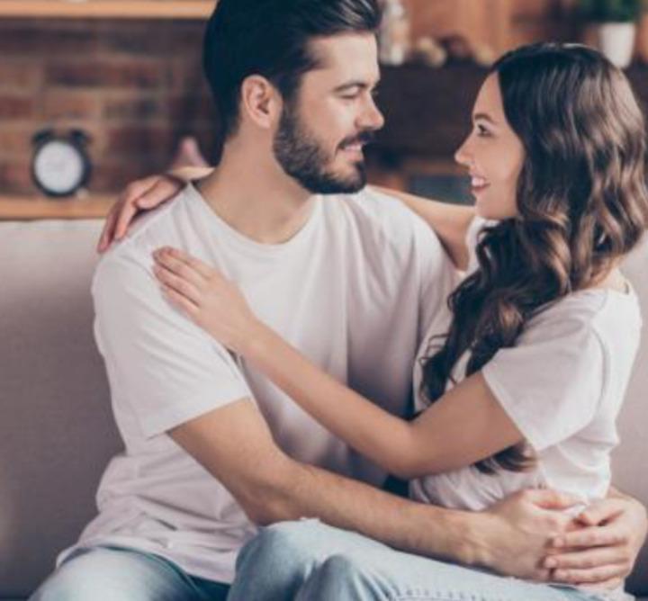 طرق تجعل زوجك يعشقك أكثر 🧡
