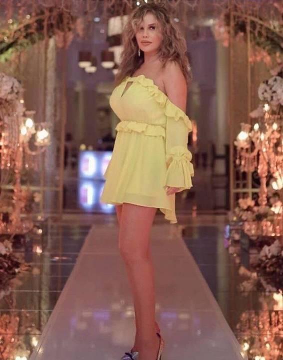 بالصورة – فنانة لبنانية تحدث ضجة بملابس قصيرة كاشفة... لهذا قيل