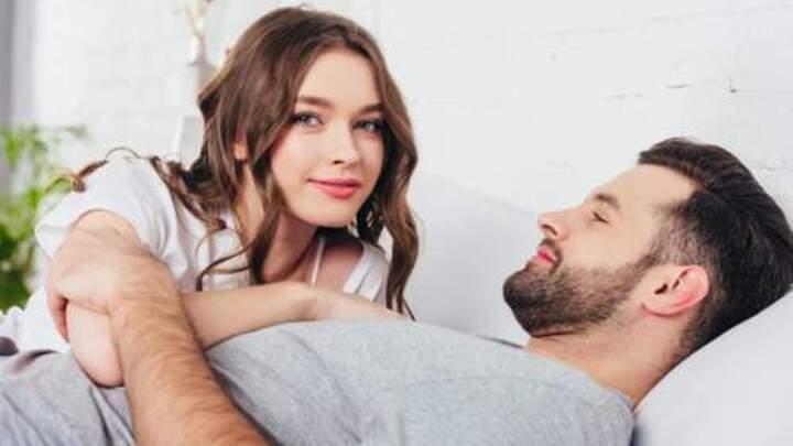 6 حركات مداعبة ستثير زوجك بالتأكيد