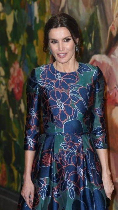 كيف بدت إطلالة ليتيزيا ملكة إسبانيا الربيعية؟