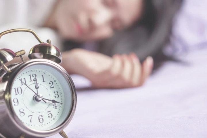 5 خطوات لتغيير مواقيت النوم