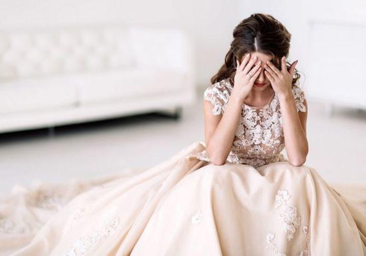 دخلت زفاف حبيبها السابق مرتديةً فستان العرس وهذا ما حصل!