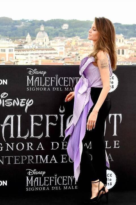 الكلّ يتساءل عن التعديل الذي أجرته أنجلينا جولي على شكلها... وإليكم الجواب