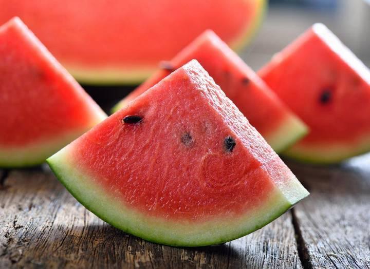 هذه الفواكه تحتوي على 90 في المئة من الماء!