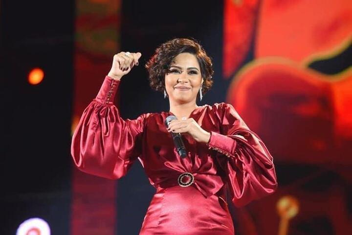 شيرين تختار الأحمر في موسم الرياض.. شاهدي الصور