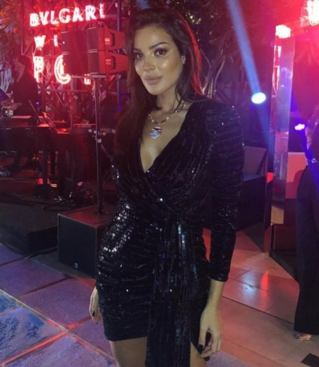 بالصور: نادين نجيم سحرتنا بأناقتها في حفل بولغاري