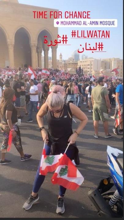هاديا سنو وسارة بيضون معاً في الشارع: كونوا عند الثالثة ولا تتقاعسوا