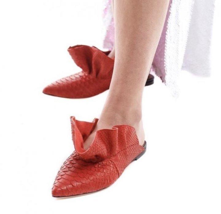 أحذية البابوش المسطحة لطلة مريحة بالقفطان في رمضان