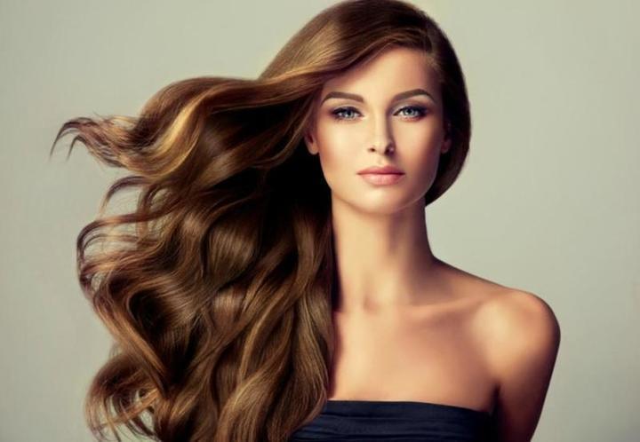 أفضل خلطة لتنعيم الشعر الجاف