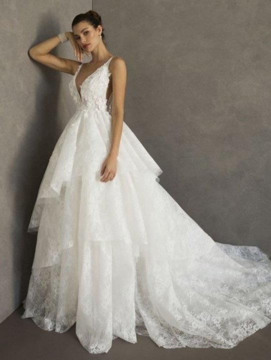 اجمل 10 فساتين زفاف منفوشه 2020