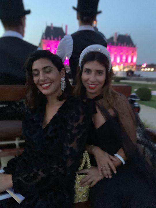عروسان سعوديان يقيمان حفل زفاف خيالياً في قلعة ڤو لو ڤيكونت الفرنسية