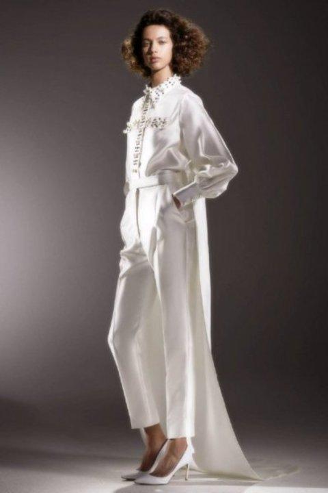 موديلات جمبسوت للعروس من اسبوع الموضة العرائسي 2020