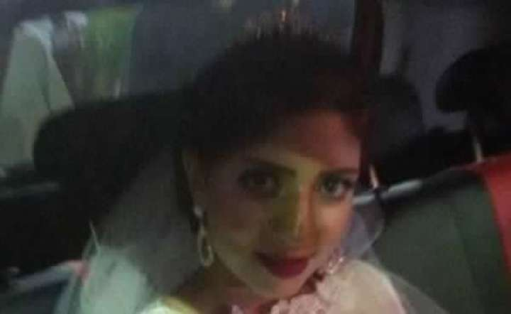 الفرحة تقتل عروس وتسقط بين يدي زوجها ليلة زفافهما.. شاهد أخر صور لها