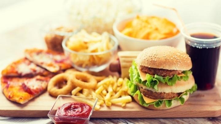فى اليوم العالمى للتغذية.. أحذر.. أطعمة لا يجب تناولها