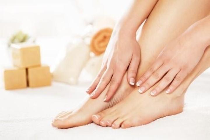 وصفات للقدمين لازالة التجاعيد وشد الجلد