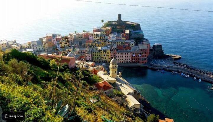 ألوان زاهية ومعالم تاريخية وشواطئ فيروزية: هنا فيرناتسا الإيطالية