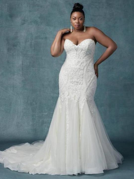 740f7cc77 أجمل فساتين زفاف 2019 للعروس الممتلئة