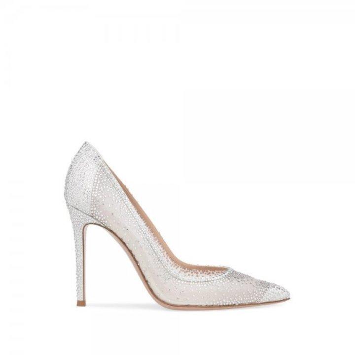 ابرز صيحات احذية عروس خريف وشتاء 2019