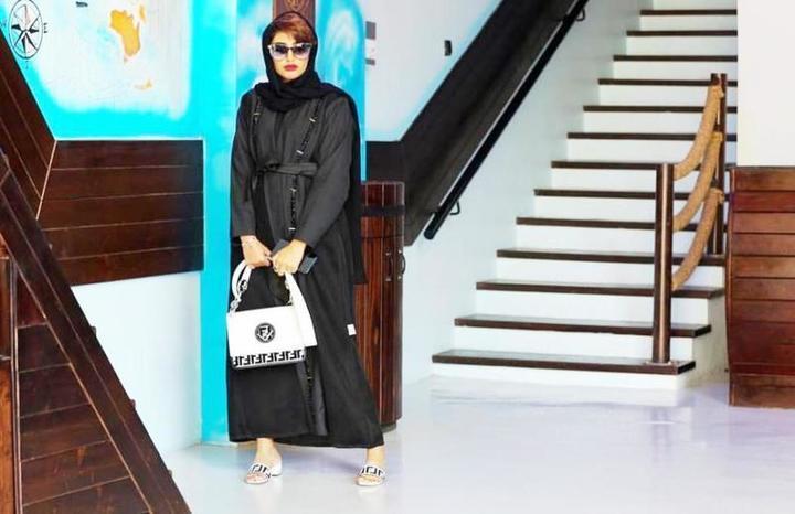 أريج العبدلله تُلهمك اختيار أجمل الحقائب