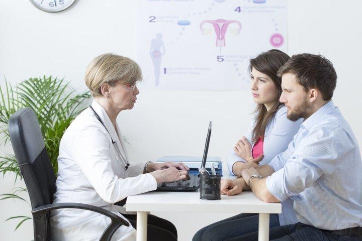 متلازمة تكيس المبايض وتأثيرها علي دورتك الشهرية وعلي صحتك