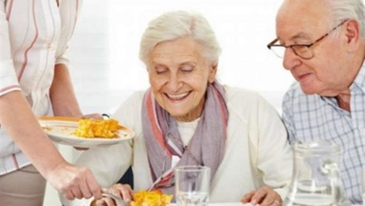 لكبار السن .. فوائد غير متوقعة لتناول البروتين
