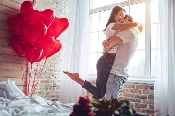 اهمية احتفالات الزوجين بالمناسبات السعيدة معا