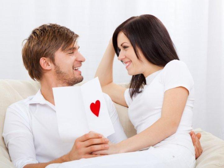 كيف يثبت الزوج حبه لزوجته
