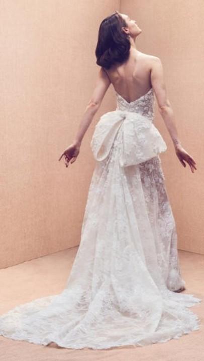 فساتين زفاف أوسكار دى لارنتا 2020