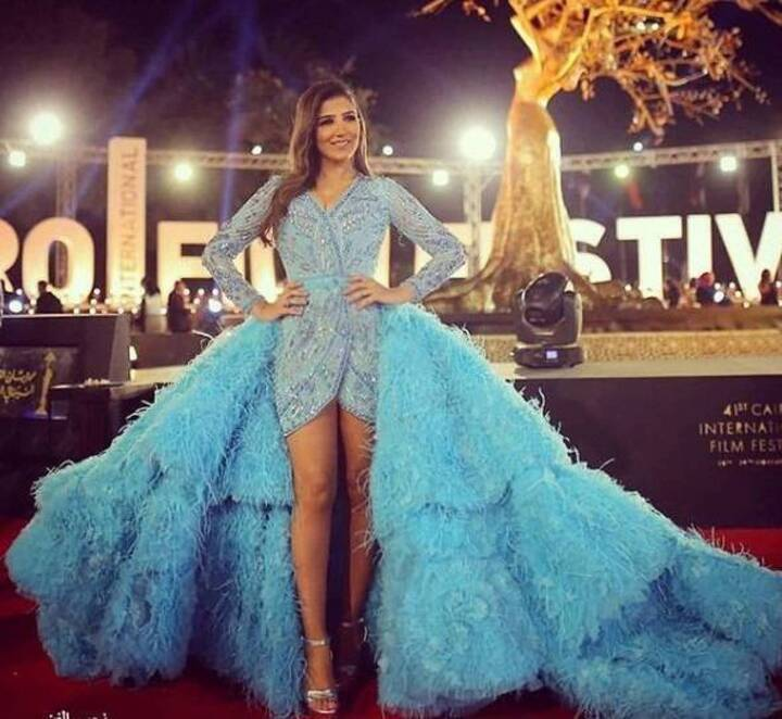 بالصور - في مهرجان القاهرة السينمائي... إطلالة رانيا يوسف وذيل فستان مي عمر!