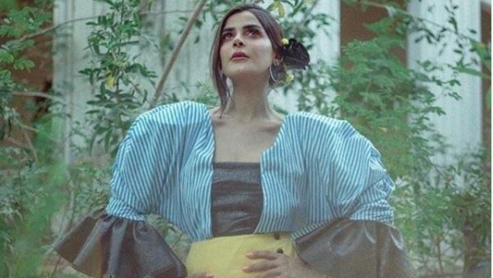 في عيد ميلادها.. جلسة تصوير من الخمسينات لـ رانيا منصور
