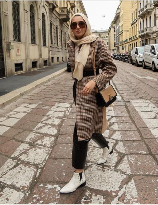 أزياء محجبات: كيف تنسقين موضة الكاروهات؟
